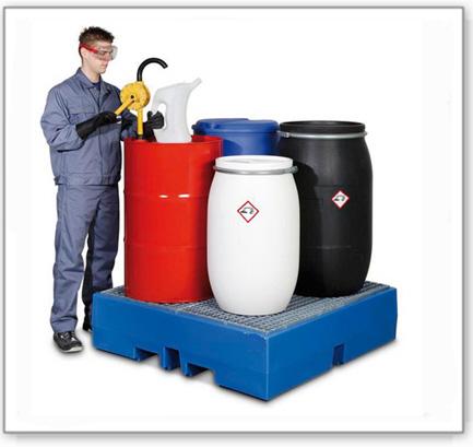 Auffangwanne PolySafe ECO aus Polyethylen (PE), mit verzinktem Gitterrost, für 4 Fässer à 200 Liter