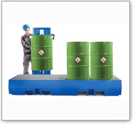 Auffangwanne PolySafe ECO aus Polyethylen, Gitterrost verzinkt, für 4 Fässer à 200 L (Anordnung 4x1)