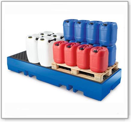 Auffangwanne PolySafe ECO aus Polyethylen, PE-Gitterrost, für 4 Fässer à 200 L (Anordnung 4x1)